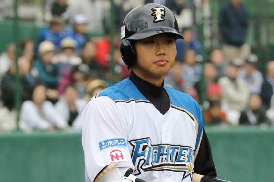 北海道日本ハム谷口雄也が背番号「64」から「4」に変更 「身が引き締まる思いです」