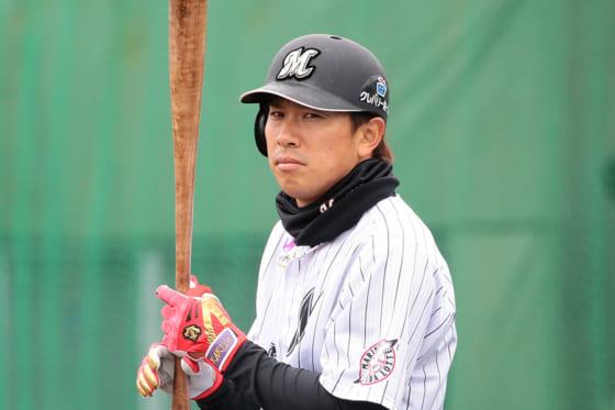 千葉ロッテ角中、左大腿直筋肉離れ 札幌市内で検査、球団が発表