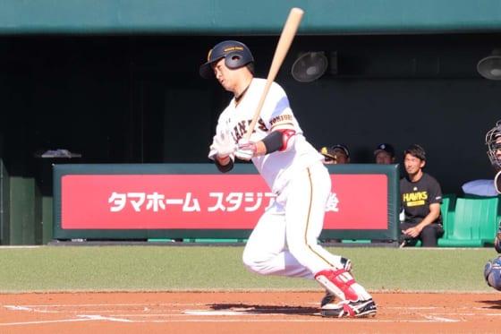 横浜DeNAが元G中井大介を獲得、オリックスは1年目右腕と育成契約 …20日、球団発表の人事
