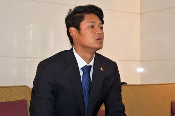 福岡ソフトバンク椎野新、現状維持でサイン 2年目の飛躍誓う「来季は開幕から1軍に」