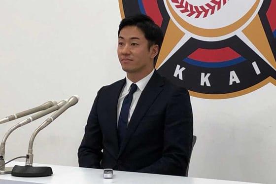 斎藤佑は6年連続ダウンの1600万円、公文は大幅増 …北海道日本ハム30日の契約更改