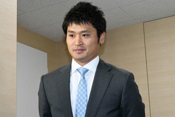 牧原が800万円増、中田は減額制限超えダウン…福岡ソフトバンクの7日の契約更改