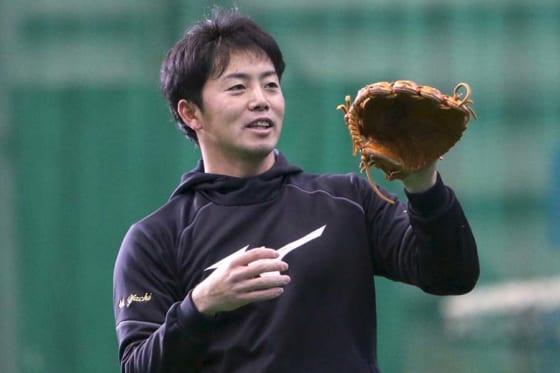 北海道日本ハム移籍の谷内が自主トレ公開 報道陣に戸惑いも「主力になることが一番」