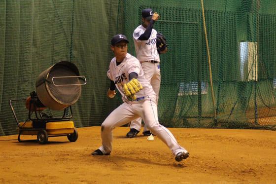 埼玉西武ドラ4粟津、新人一番乗りで打撃投手 源田らと対決「ブルペンと違うボールに…」