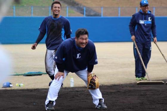 埼玉西武中村、キャンプ恒例の特守で軽快守備披露 「しっかり守って打ってが野球」