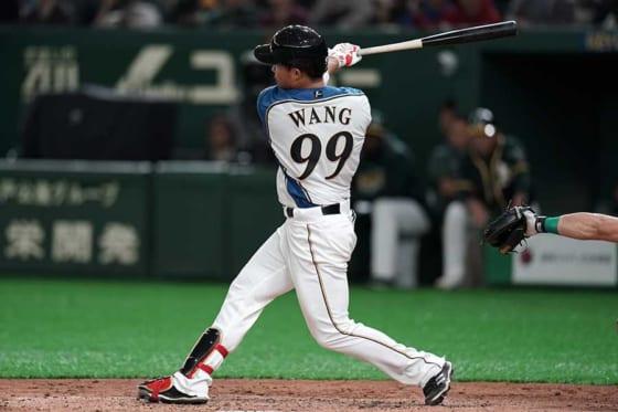 北海道日本ハム王柏融が右翼線へタイムリー二塁打! 6回に貴重な追加点を演出