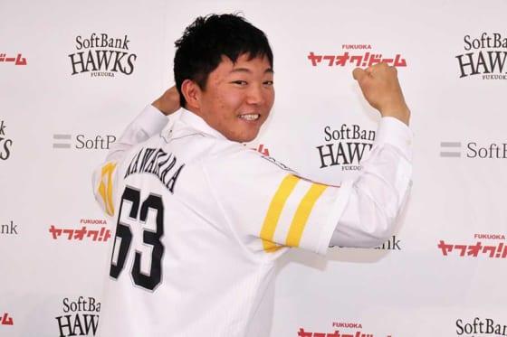 支配下復帰の鷹・川原、勝利の方程式へ名乗り「腕を振った球は打たれない」