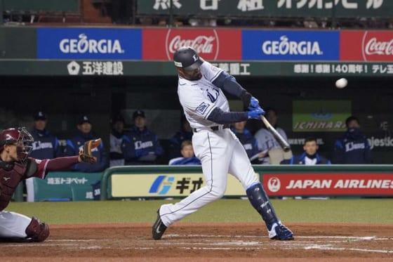 埼玉西武メヒア、球団通算9000本塁打「非常に光栄であり名誉。特別なホームラン」