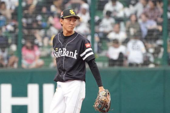 鷹3年目の三森がプロ初安打 プロ初スタメンで結果、初盗塁も決める