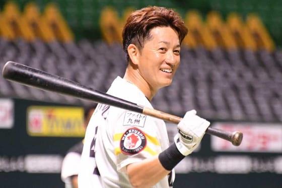 鷹川島、背番号変更は自ら申し出 異国で戦うバレンティンに感銘&男気「彼をリスペクト」