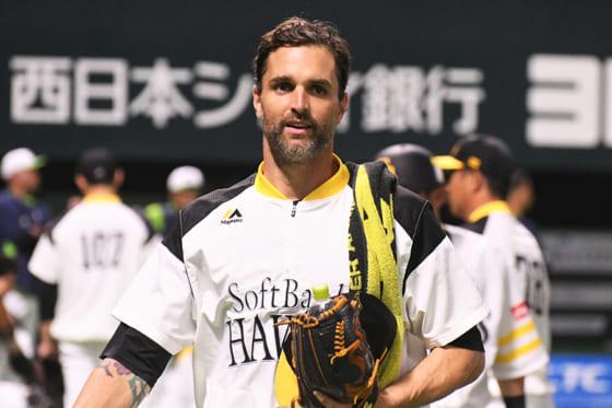 再来日から約1か月半も…鷹・サファテが一時帰国 診療・治療のためと球団発表