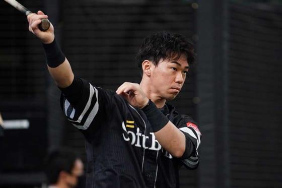 福岡ソフトバンク・長谷川勇也が今季限りで現役引退。2013年に首位打者&最多安打