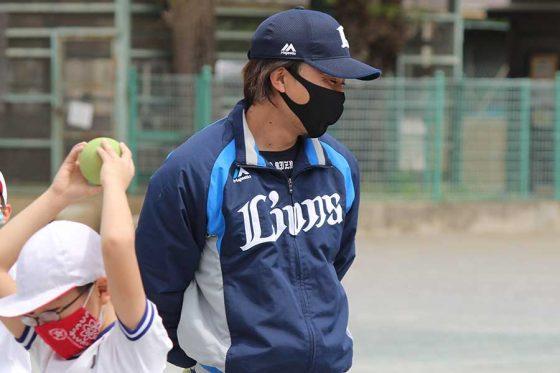 ライオンズアカデミーでコーチを務める水口大地さん(写真:球団提供)