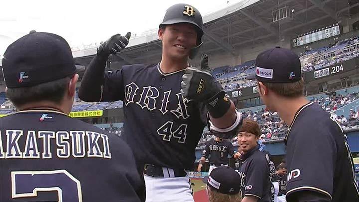 頓宮裕真、宗佑磨の本塁打でオリックスが勝利! 能見篤史は通算1500奪三振を達成