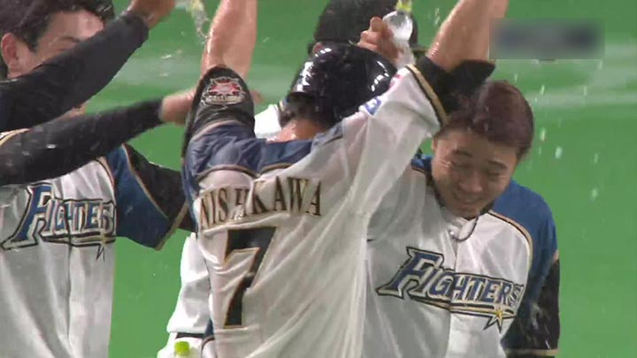 代打・西川遥輝のサヨナラ打で北海道日本ハムが勝利! R.ロドリゲスは8回に同点弾