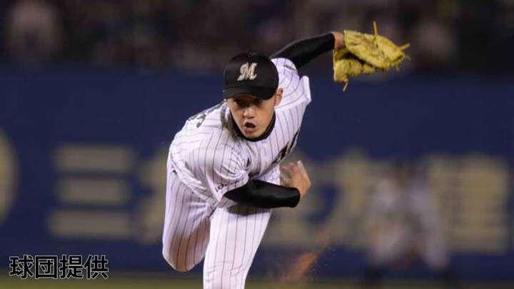 上野氏は投手としてプレーした現役時代、一軍の舞台でも活躍を見せていた【提供:千葉ロッテマリーンズ】