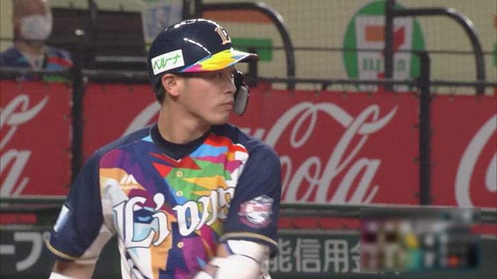 岸潤一郎の同点につながる二塁打&好走塁で獅子と鷹の一戦は土壇場で引き分けに