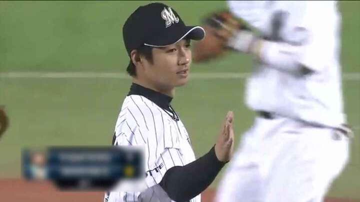 平成生まれの選手として、初めて勝利を挙げた投手となった唐川侑己投手
