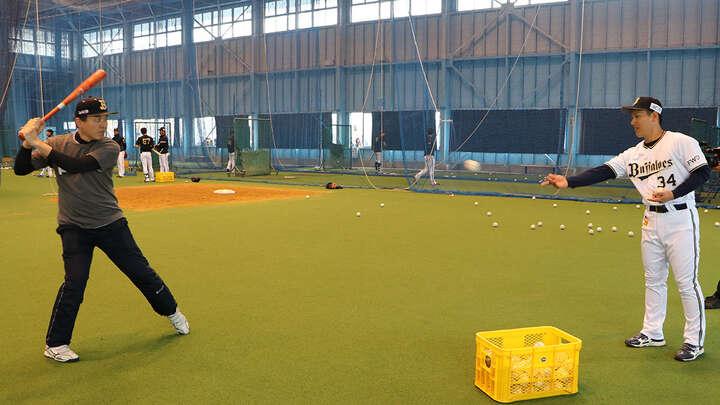 打撃フォームが綺麗な松枝さん。吉田選手も驚いていました。